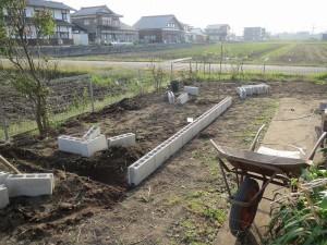 お庭を花壇に...6