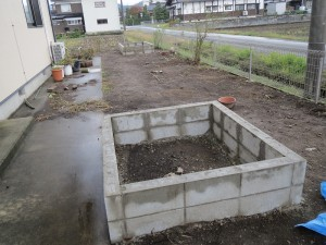 お庭を花壇に...9